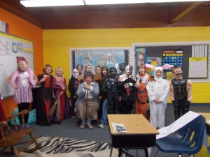 The 3rd grade class in their fall costumes.